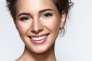 Hier verraten wir ultimative Tipps und Tricks für schmuseweiche, glatte und gesunde Lippen.